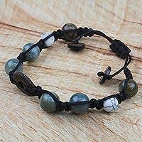 Agate and howlite beaded bracelet, 'Celestial Aura' (Ghana)