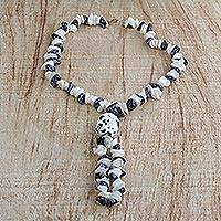 Agate beaded lariat necklace, 'Bold Beauty' - Handmade Off-White and Black Speckled Agate Beaded Necklace