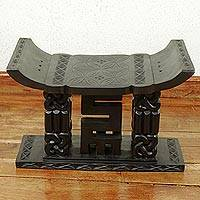 Ashanti throne stool, 'Decisions' - Ashanti Throne Stool