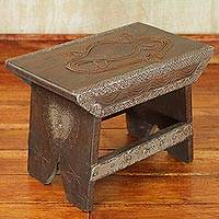 Decorative wood stand, 'Crocodile' - African Carved Decorative Wood Stand