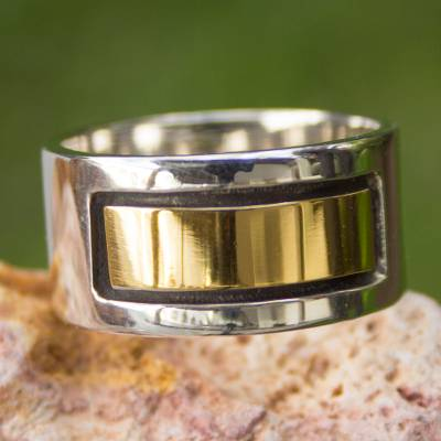 Mens gold accent band ring, Structures