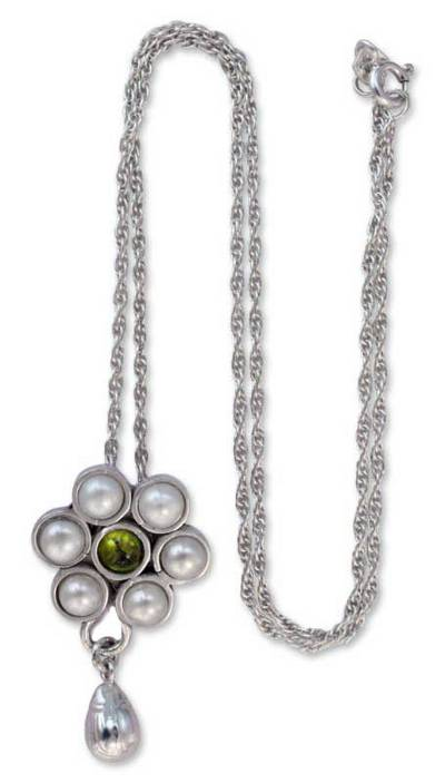 Pearl and peridot flower necklace