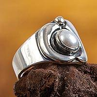 Cultured pearl cocktail ring, 'Mini Bonito' - Modern Sterling Silver Pearl Ring