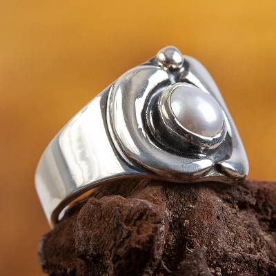 Modern Sterling Silver Pearl Ring