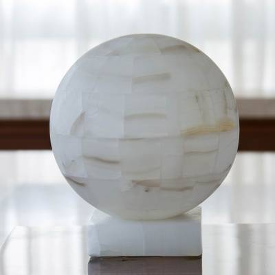 Onyx lamp, 'Puebla Moon' - Mexican White Onyx Globe Shaped Table Lamp