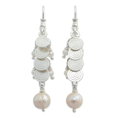 Cultured pearl cluster earrings