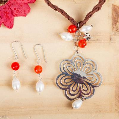 Cultured pearl and agate jewelry set, 'Flower of Guanajuato' - Handcrafted Leather and Silver Necklace with Pearl and Agate