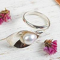 Cultured pearl wrap ring, 'Calla Lily' - Floral Sterling Silver Ring with Cultured Pearl