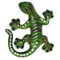 Ceramic wall sculpture, 'Green Salamander' - Terracotta Artisan Crafted Green Lizard Theme Wall Sculpture