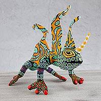Papier mache Alebrije sculpture, 'Phantasmagorical Horned Gecko' - Mexican Alebrije of Horned Gecko Handmade Paper Sculpture