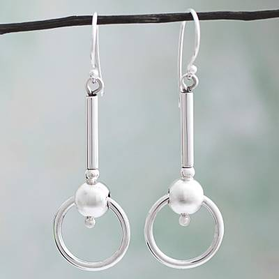Silver dangle earrings, Elegant Movement