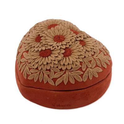 Ceramic Heart-Shaped Decorative Box with Daisy Motifs
