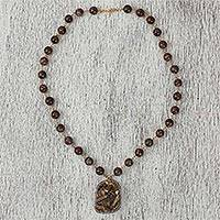 Agate and quartz beaded pendant necklace,