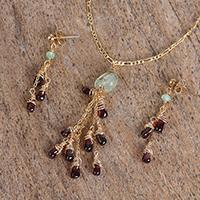 Garnet and prehnite pendant jewelry set, 'Vineyard Meadow' (Mexico)