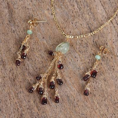 Garnet and prehnite pendant jewelry set, Vineyard Meadow