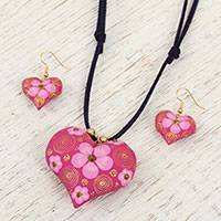Gold accent wood jewelry set,