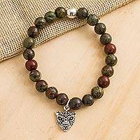 Agate beaded stretch bracelet, 'Stylized Jaguar in Green' - Green Agate Beaded Stretch Bracelet with Jaguar Charm