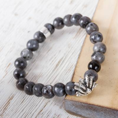 Agate beaded stretch bracelet, 'Grey Succulent Agave' - Taxco Grey Agate Agave Beaded Stretch Bracelet from Mexico