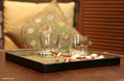 Eggshell mosaic tray