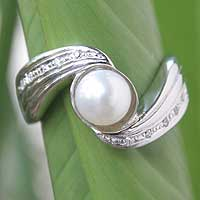 Cultured pearl solitaire ring, 'Snow Princess' - Sterling Silver and Cultured Pearl Solitaire Ring