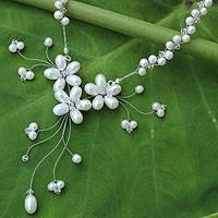 Pearl flower necklace, 'White Pearl Bouquet'