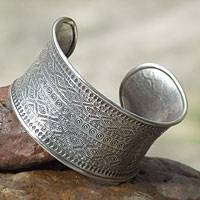 Silver cuff bracelet, 'Mountain Reflection' - Hill Tribe 950 Silver Cuff Bracelet
