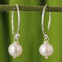 Pearl dangle earrings, 'Snow Queen' - Sterling Silver Pearl Dangle Earrings
