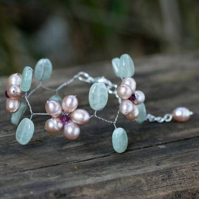 Pearl floral bracelet, 'Lilac Dream' - Pearl and Quartz Beaded Bracelet