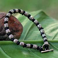 Men's leather bracelet, 'Thai Knot' - Men's Silver and Leather Beaded Bracelet