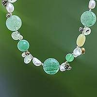Pearl and serpentine choker, 'Green Apples' - Beaded Serpentine Necklace