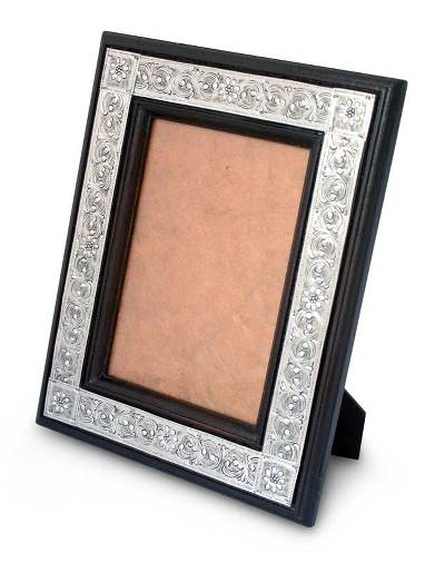 Nickel and wood photo frame (5x7)