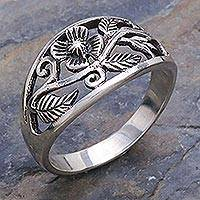 Sterling silver flower ring, 'Spring Daisy' - Unique Floral Sterling Silver Band Ring
