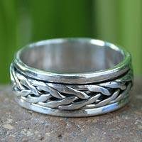 Men's sterling silver spinner band ring, 'Lanna Hero' - Men's Sterling Silver Spinner Band Ring