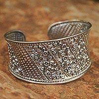 Sterling silver flower bracelet, 'Camellia Exuberance' (Thailand)