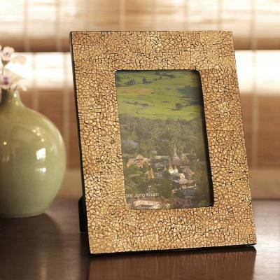 Eggshell mosaic picture frame, 'Pathways' (4x6) - Eggshell Mosaic Picture Frame (4x6)