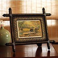 Lacquered wood photo frame,