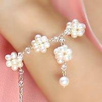Cultured pearl pendant bracelet, 'Enchanted Bloom' - Unique Pearl Bracelet from Thailand