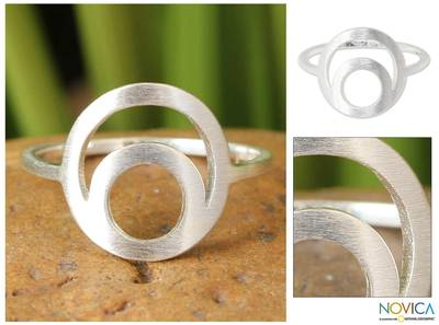 Sterling silver cocktail ring, 'Silver Eclipse' - Hand Crafted Modern Sterling Silver Ring from Thailand