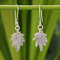 Silver dangle earrings, 'Glamorous Leaf' - Silver dangle earrings