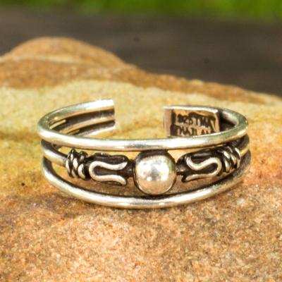 Sterling silver toe ring, 'Moonwalk' - Toe Ring in Sterling Silver Thai Artisan Jewelry
