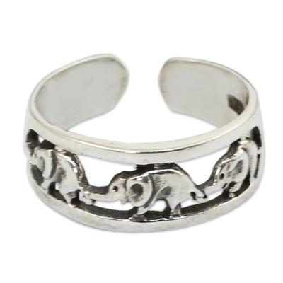 Sterling silver toe ring, 'Elephant Walk' - Thai Elephants Sterling Silver Toe Ring