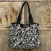 Cotton shoulder bag, 'Thai Shadow Garden' - Black and White Floral Cotton Purse
