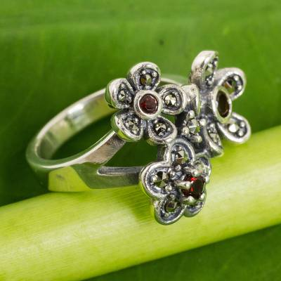 Garnet flower ring, 'Daisy Trio' - Thai Sterling Silver Flower Ring with Garnet and Marcasite