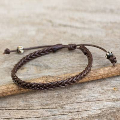 Men's braided leather bracelet, 'Single Brown Braid' - Thai Brown Leather Braided Men's Bracelet