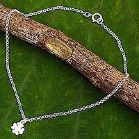 Sterling silver pendant anklet, 'Clover Luck' - Hand Crafted Sterling Silver Anklet with Clover Pendant