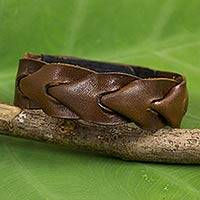 Leather bracelet, 'On My Way' - Artisan Crafted Leather Bracelet from Thailand