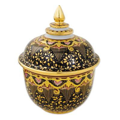 Hand Painted Thai Decorative Benjarong Porcelain Jar