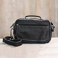 Leather shoulder bag, 'Ready in Black' - Compact Black Leather Handcrafted Unisex Shoulder Bag