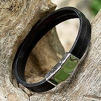 Leather wristband bracelet, 'Simple Touch' - Black Leather Double Wristband Bracelet from Thailand