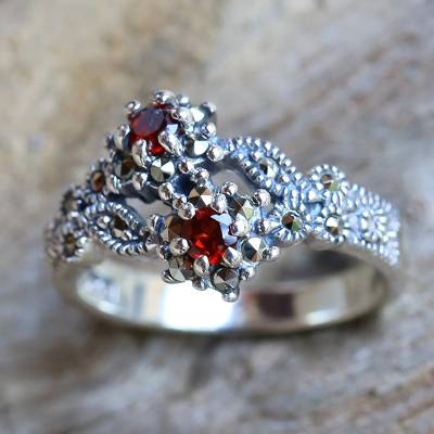 925 Silver Jewelry Garnet and Marcasite Ring from Thailand